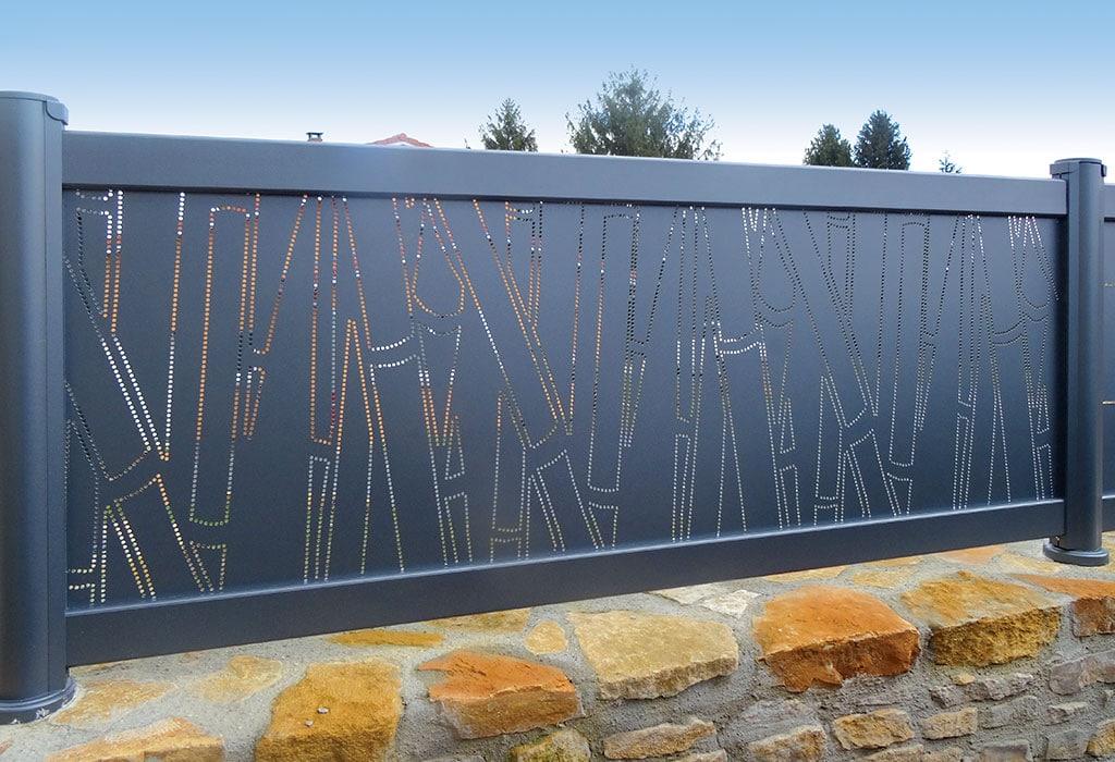 Clotures Alu Sur Mesure Cepage Bambou pour installation bordure de villa à Nice